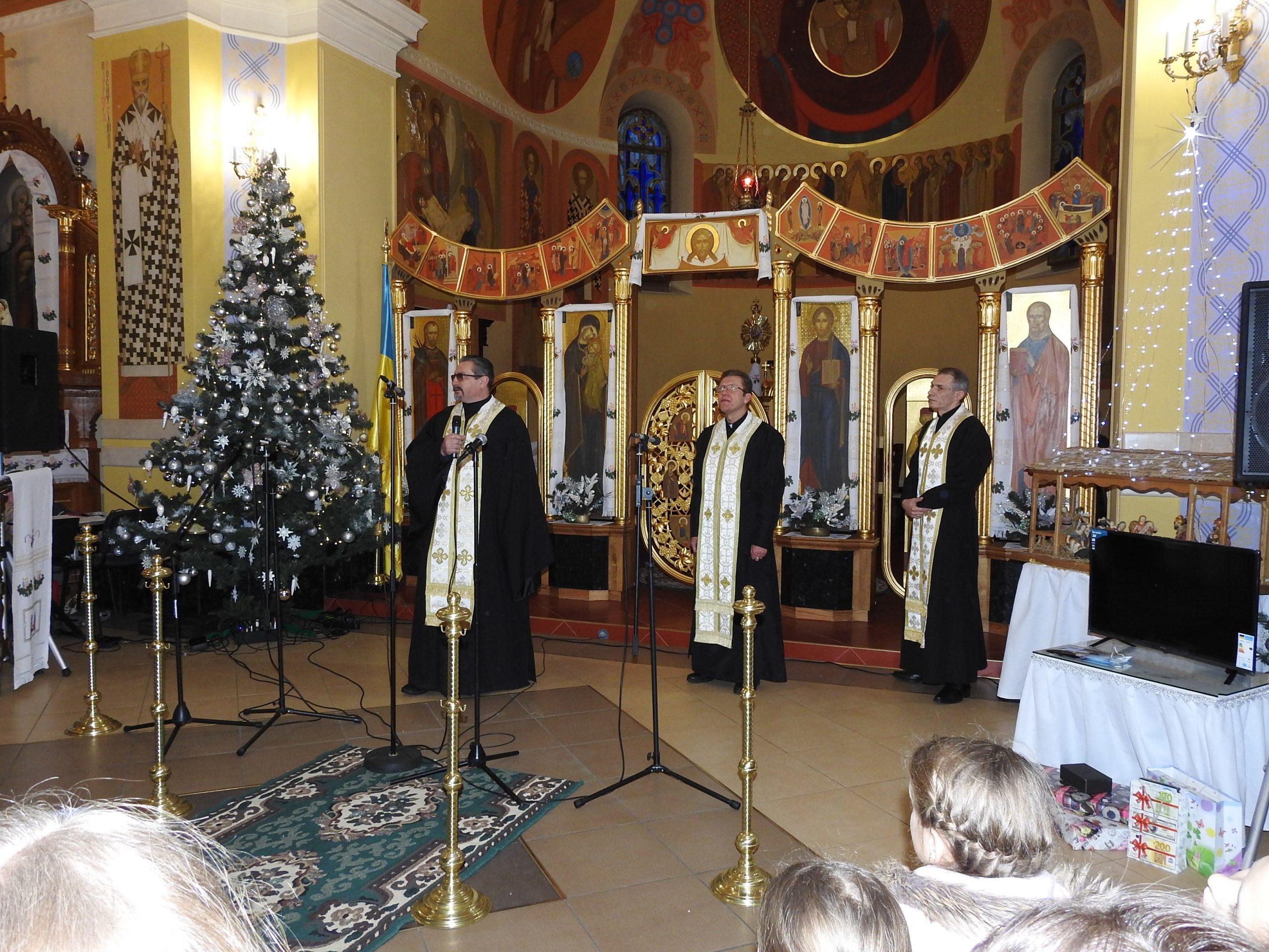 Запрошені священники